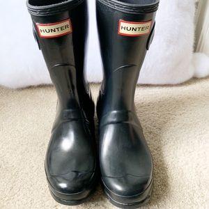Hunter Black Short Rain Boots Size 7